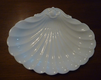 SPODE SHELL SHAPE  White Serving Dish. Home Decor. Gift. Fabulous Vintage Spode Serving Piece.Seashore,Cottage. Elegant Decor. Shabby Chic