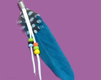 teal feather pendant with pearls, 8cm