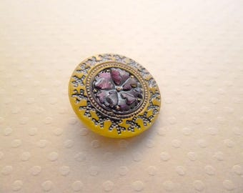 Spirit 22 mm - BCZ22 1403 yellow Czech glass button