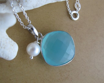 Minty Candy - sterling silver pillow shaped chalcedony necklace