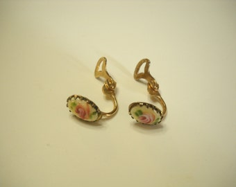 Vintage Teeny Tiny Pink Roses Guilloche Clip Earrings (9582)