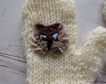 Cat mittens, Cat Gloves, Knit Cat Mittens, college student gift, Christmas gift, cream crochet mitts, beige knit mittens, student gift