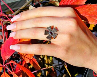 Garnet Ring, Flower Ring, Mixed Metal Ring, Silver&Copper Ring, Floral Design Ring, Copper Flower, Rustic Ring, Red Gemstone, Hammered Ring
