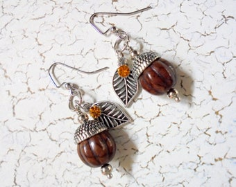 Brown Acorn and Leaf Earrings (4009)
