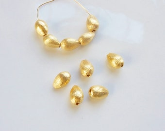 4 pcs Vermeil brushed teardrop beads  (9x6mm)