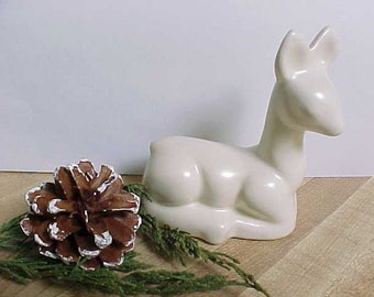 Vintage Mid Century Ceramic Deer Figurine in Cream or Off White Color, Pottery Knick Knack Figure of Doe or Fawn For Home Decor