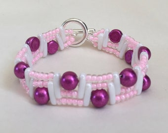 beaded bracelet pink and white beaded bracelet multistrand bracelet pink seed beads white beam beads dark pink cabochons short bracelet