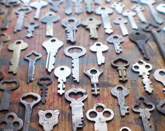 100 antique clés plates gros Lot - en vrac cadenas Vintage touches - Yale - aigle - serrure de maître - Destash vente