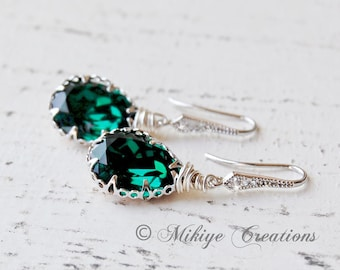 Bridesmaid Earrings, Bridal Accessories, Bridesmaid Gift, Emerald Wedding Party Jewelry, Chandelier Swarovski Crystal Earrings