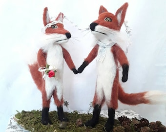 Needle felted fox ,Bride and groom, wedding centre piece. bridal gifts. Wooden slice. Wedding gifts