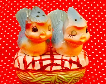 Lipper Mann Anthropomorphic Bluebird Couple on a Nest Salt and Pepper Shakers made in Japan circa 1950s