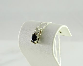 """Petite Onyx Pendant on a sterling Chain 18"""""""