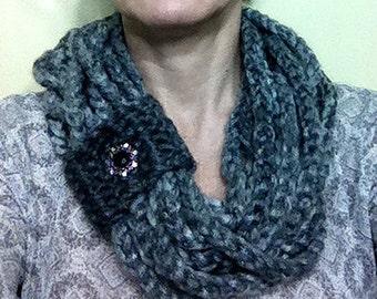 Chain scarf cowl