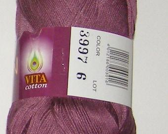 Vita Pelican crochet thread size 10, 100% mercerized cotton, 50g/360 yds, #3997 dusty purple