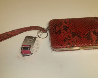 Kenneth Cole Reaction Tech Me Out Wallet