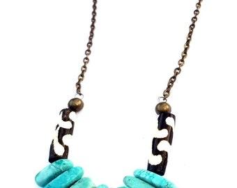 Turquoise slab statement necklace//Bohemian turquoise statement necklace// single strand necklace//tribal beaded turquoise necklace