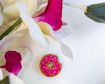 Pin enamel, brooch, pin enamel pin, pink doughnut, pin sweets, pin enamel doughnut, pink donut, doughnut Enamel Pin, decorate t-shirt,