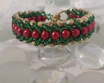 Beautiful  christmas bracelet festive handmade!