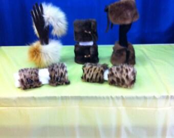 102 different fur cuffs JOG
