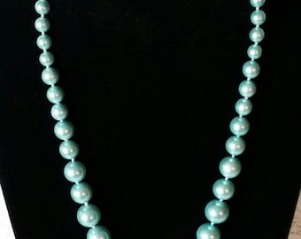 Moving SALE. Vintage Blue Necklace, Caribbean Blue, Vintage 60's, Excellent, New, Old Stock, Graduated Chunky, Faux Pearls, Necklace