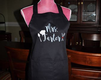 Mr. and Mrs. Apron, Bride and Groom Apron, Wedding Shower Gift, Monogrammed Apron, Personalized Apron, Chef apron