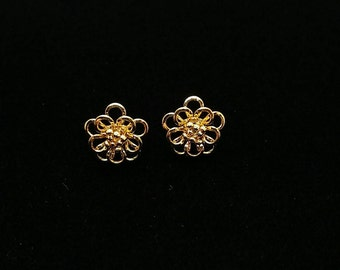 Gold Tone Flower Earrings Stud Back Gold Tone Vintage Earrings Small Gold Flower