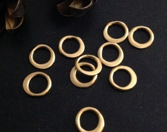 GOLD VERMEIL Circle Links -  10 Mini - Mini TINY Round Connectors 5mm - 6mm L45V