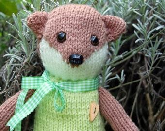 Hand-Knittel Weasel; 30 cm // 12 in.