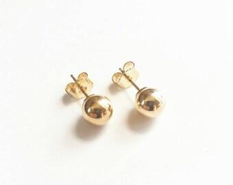 14K Yellow Gold Round Medium Ball Studs. Gold Minimalist stud earrings. Gold Ball stud earrings. Solid 14K gold stud earrings.