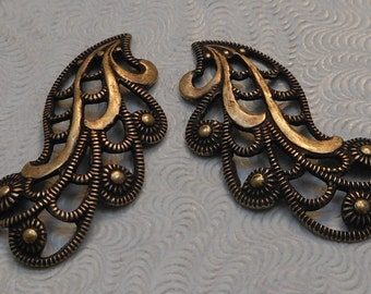 LuxeOrnaments European Filigree Oxidized Brass Pendants (Qty 1 left-right matched pair) 24x12mm A-30551-B