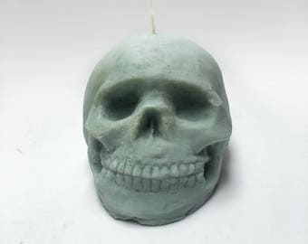 Light me up Skully Green candle, skull