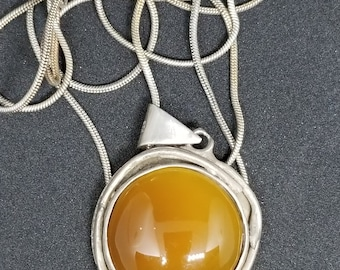 Handmade Sterling Silver Gorgeous Calsedon Gemstone Cabochon Necklase with Sterling Silver 30 inc Chain