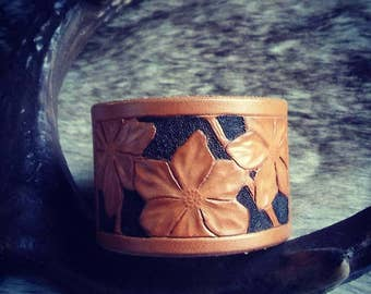 Leather Bracelet flowers