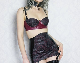 Latex bra and girdle with latex-lace SAMPLE-Ready to ship