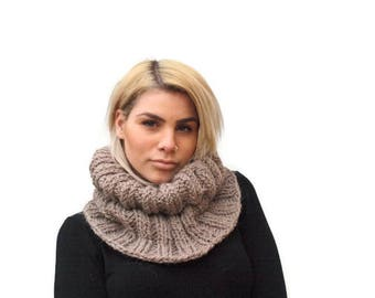 Beige knit cowl/ Cable Knit Scarf/Hand Knit Chunky Cowl /Neck Scarf /Winter Accessories/ Women knit cowk scarf/ Gift for her