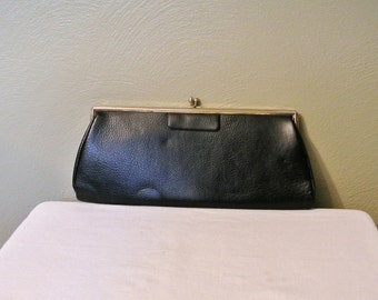 Lovely 60s Kiss Lock Clutch