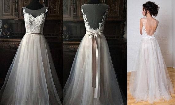 Boho Vintage inspirierte Brautkleid mit Spitzekorsett offenes