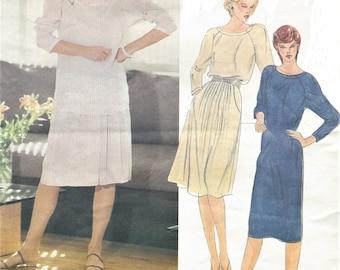 70s Calvin Klein Womens Raglan Sleeve Top, Tunic, Dress & Skirt Vogue Sewing Pattern 2660 Size 12 Bust 34 FF Vogue American Designer Pattern