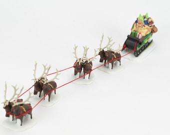 Heritage Villiage Sleigh and 8 Tiny Reindeer