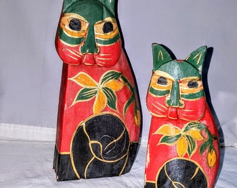 Indonesian Carvings     Pair of Owls    Balinesian Art   Hand Painted   Reds and Greens  Vintage Collectoris Item