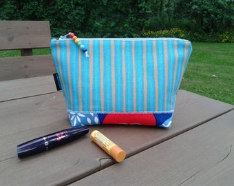 Zipper pouch from Marimekko fabric Piccolo, blue Scandinavian cosmetic or makeup bag, coin purse, gadget bag, travel wallet, medicine pouch