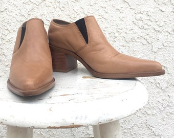 90s pointy toe leather booties