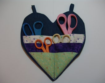 Heartshaped scisser holder