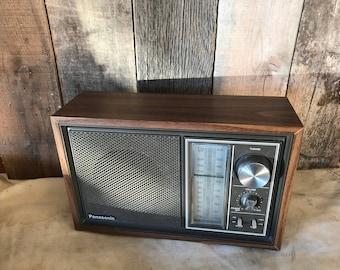 Bluetooth speaker / repurposed vintage radio