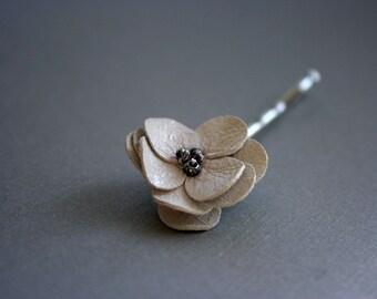 Mini white leather bobby pin