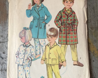 Vintage Simplicity Sewing Pattern 8291 Child's Robe and Pajamas Size 5
