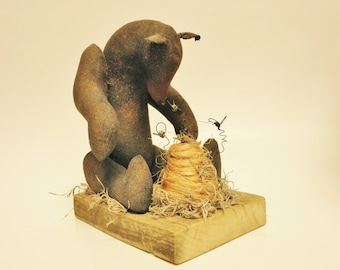 Primitive Black Bear with Bees and Hive, Country Decor, Primitive Animals, Black Bears, Primitive Bees