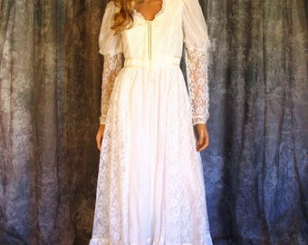 Vintage 70s Gunne Sax Bridal Collection White Lace Wedding Dress Bridal Gown Romantic Renaissance Victorian Corset Bodice Prairie XS