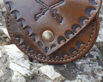"Leather coin purse ""Hunt""."