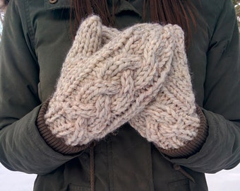 Chunky Cable Knit Mittens / Granger